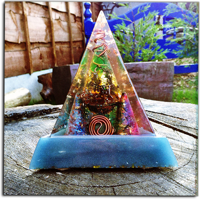 Sy Evans, Orgonite, Anturio, OMM, manchester orgonite, Lil' Picture Place, Orgone, crystal Alchemy, recent omm by the lil pictureplace